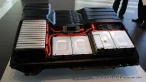 日産自動車のEV「リーフ」のリチウムイオン電池パック(24kWh)