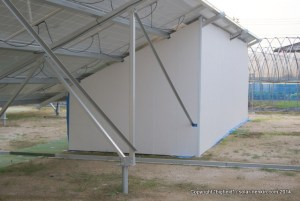 パワコンの騒音対策として設置した防音小屋