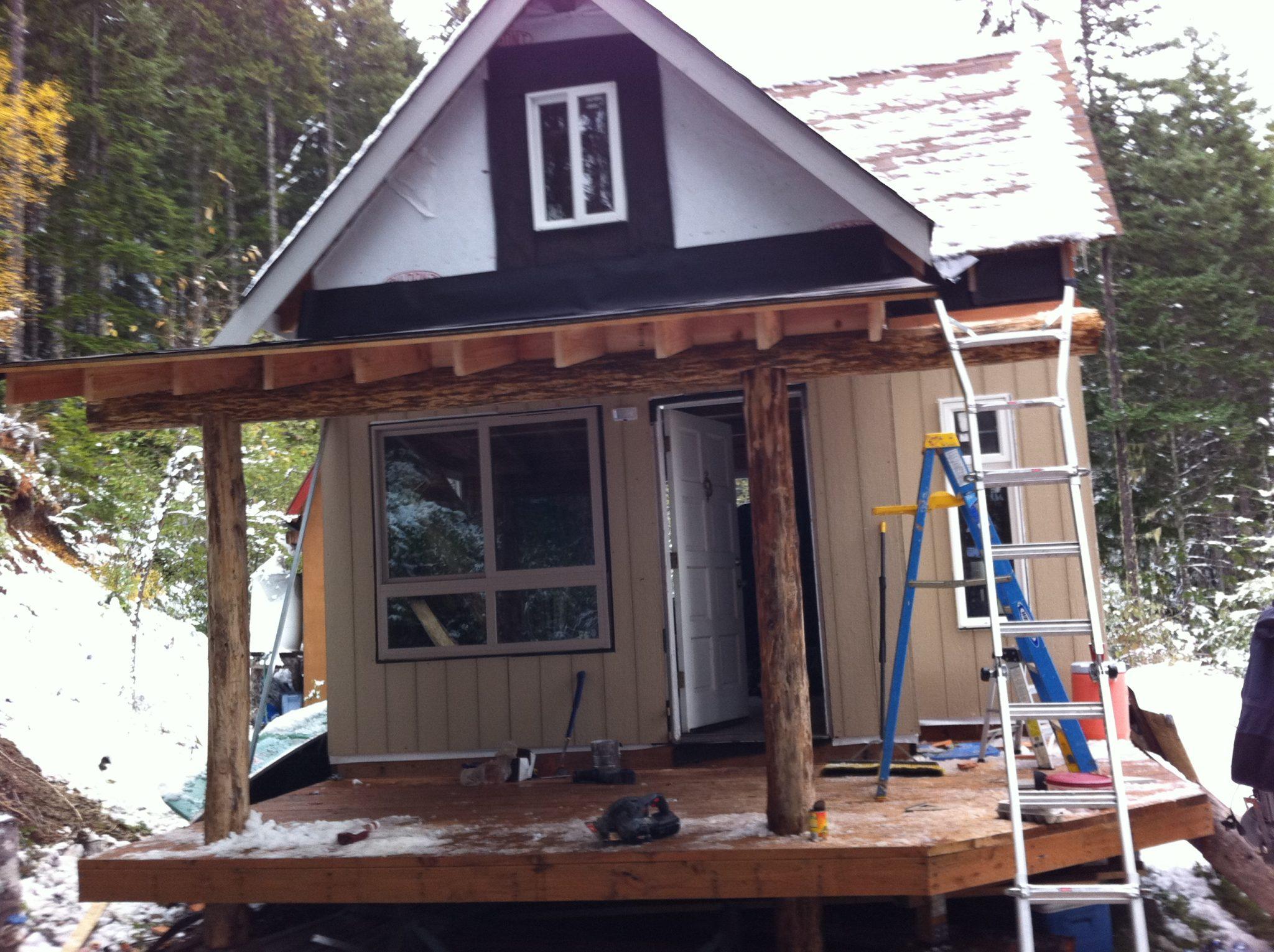 Off grid Cabin Deck