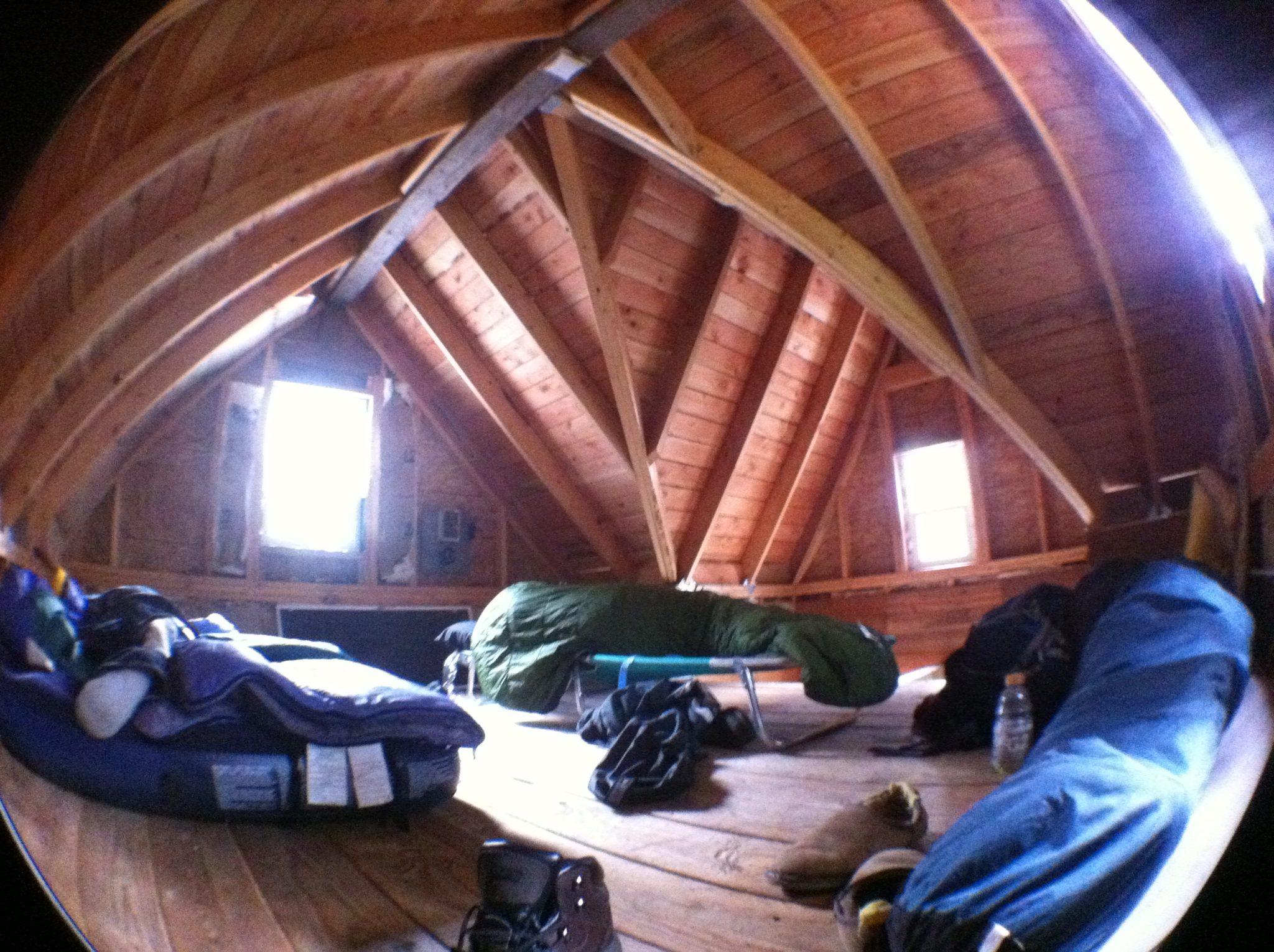 loft in small cabin - Solar burrito