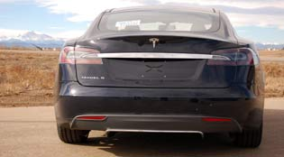 tesla-model-S-rear-mountains