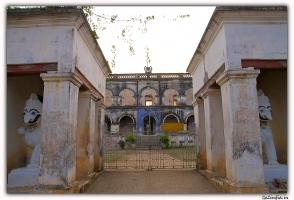 Daspalla, DIGVIJAY DEO BHANJ, Pic -Entrance of Dasapalla Palace