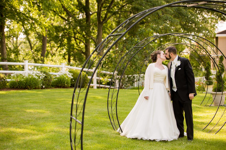 Lisa & Jonathan - Lake Pearl Wedding