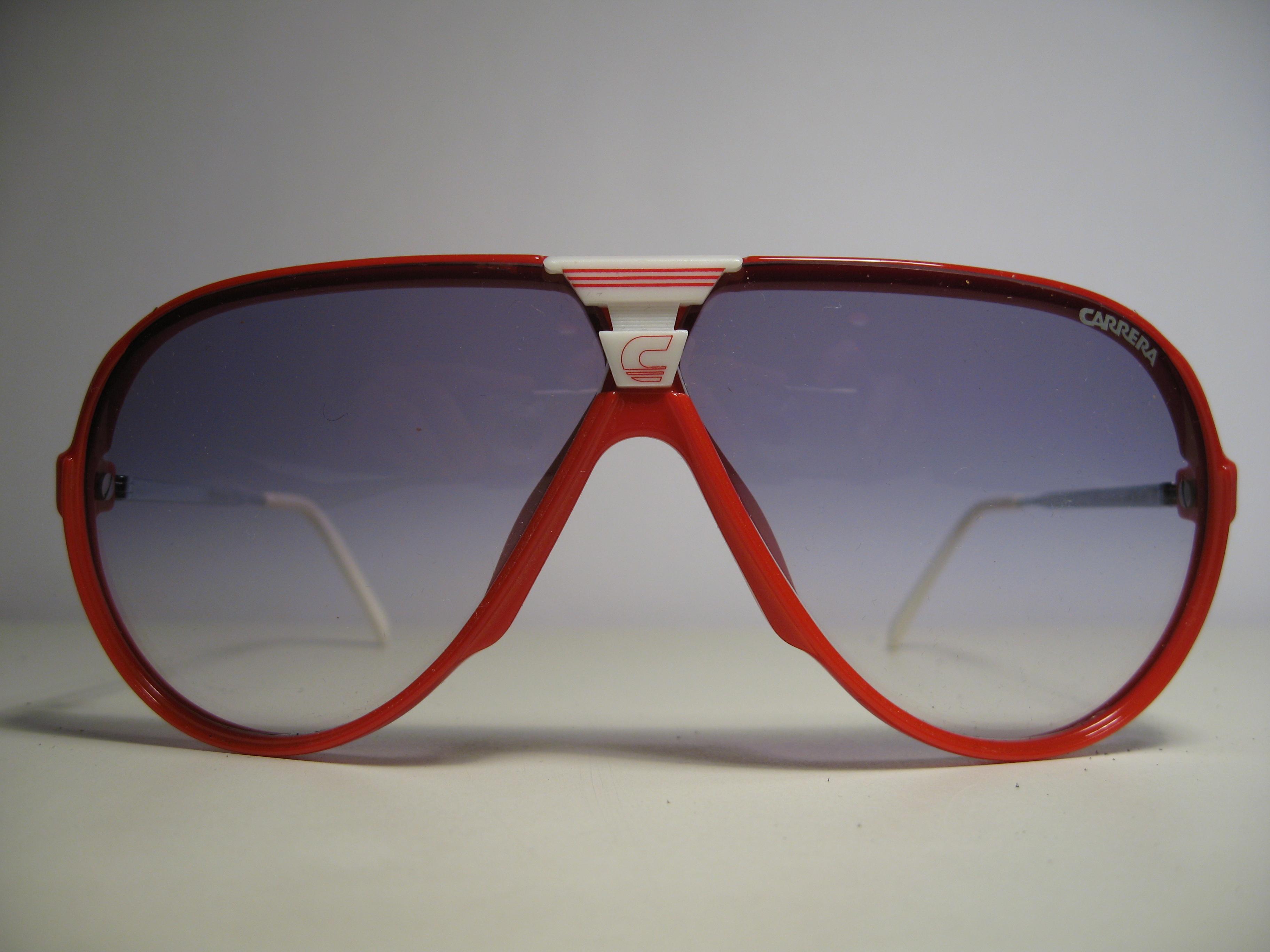 f2f6c81ab347c Carrera 5593 1980s Vintage Sunglasses Aviator red frame blue gradient