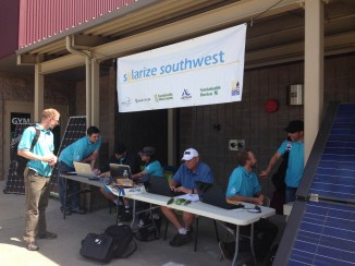 participants sign up at Solarize Southwest