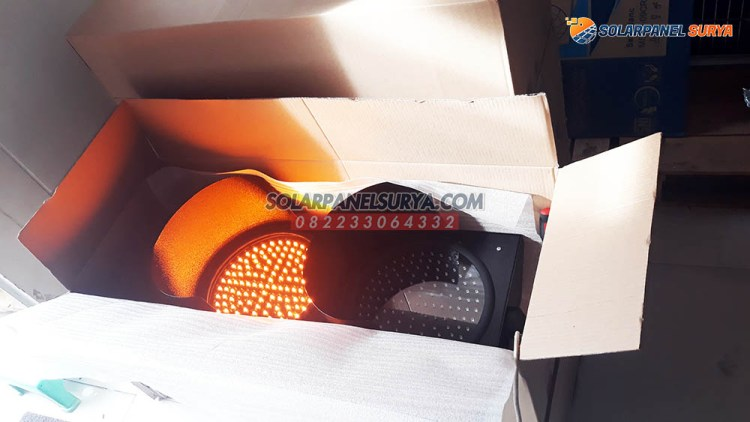 lampu led tenaga surya warning light 2 aspek murah