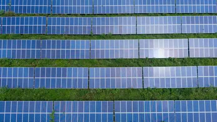 KKR Buys 317 MW Solar Assets Of Shapoorji Pallonji For INR 1554 cr