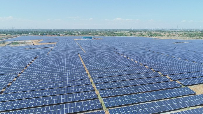 BloombergNEF Gives LONGi 100% Bankability Rating Among Pure-Play Solar Manufacturers