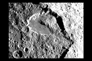 Iapetus – Saturn's moon, satellite, walnut shaped, yin ...