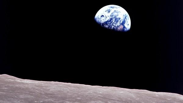 Apollo 8's Earthrise   Solar System Exploration: NASA Science