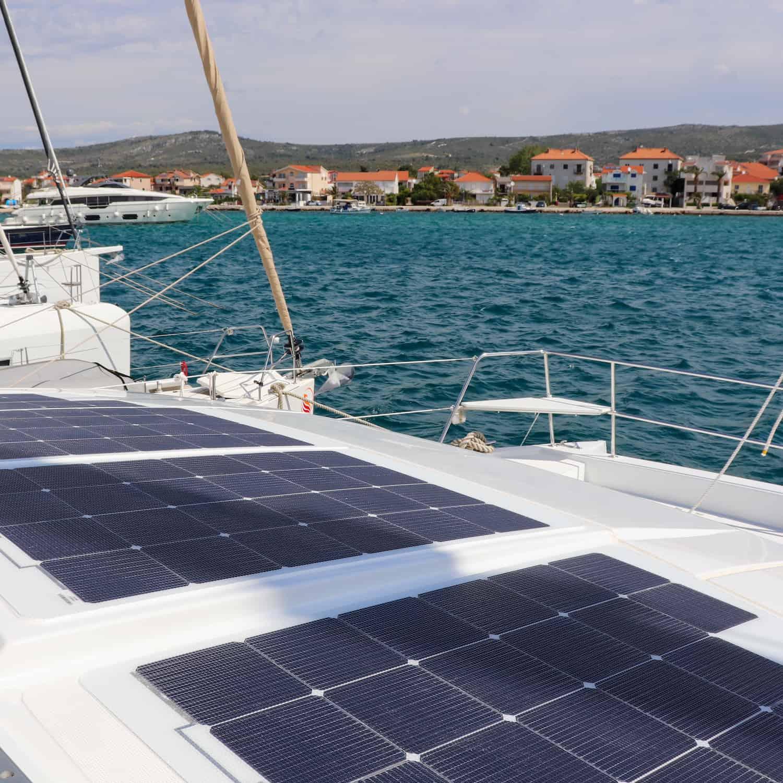 Catana Bali 4.0 4.1 Katamaran Solaranlage begehbar Solbian Solar