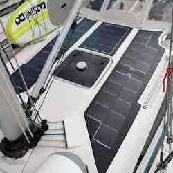 Solbian Solar Elan 340 Segelyacht Solaranlage begehbar schwarz Boot Yacht