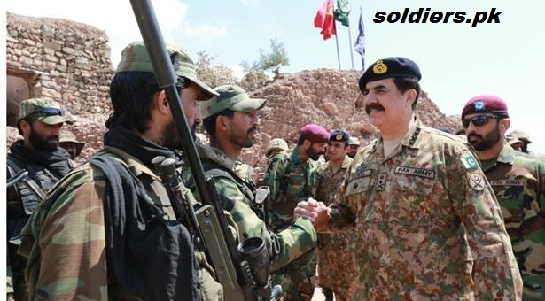 COAS celebrating Eid with soldiers