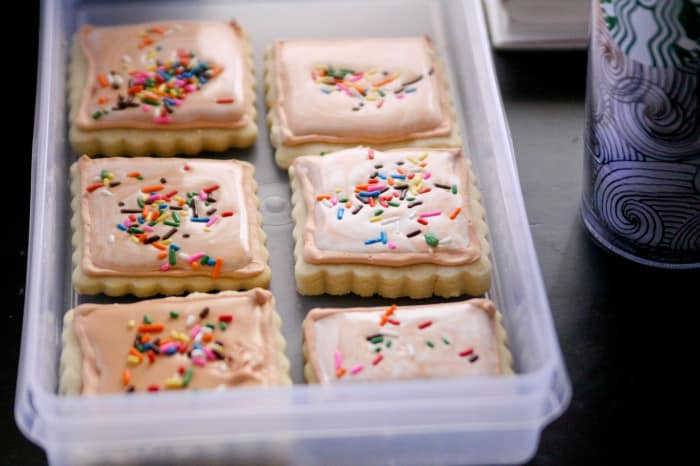 flooding royal icing cookies