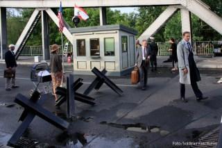 Filmdreh Präsident Aserbaidschan İlham Əliyev Stettiner Brücke Berlin (5)