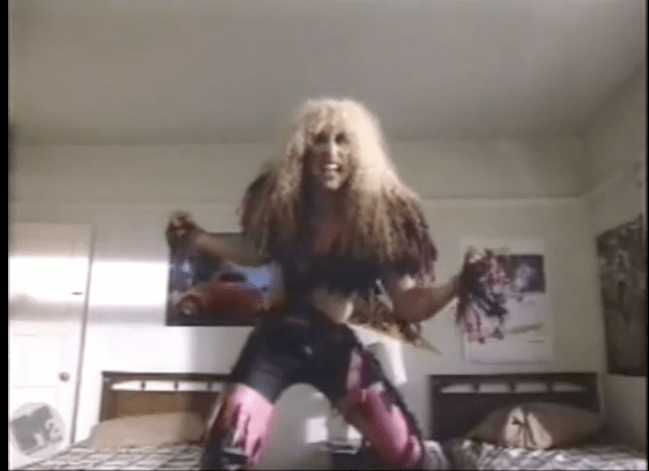 Amanda Miguel in a hair metal band (2/2)