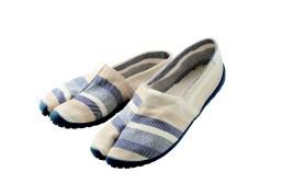 MARUGO - chaussures - Kurashiki Japan 2020 - bd