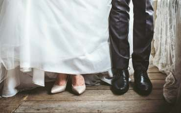 uncomfortable wedding feet