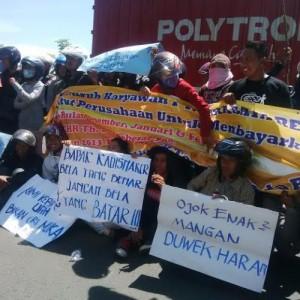demo buruh pt surabaya rending