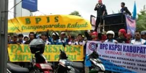 Buruh Tangerang Unjuk Rasa Tuntut Perbaikan Pelayanan BPJS Kesehatan