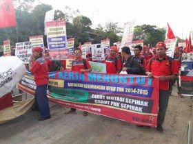 Hak Sopir Dilanggar, Buruh PT Adhimix Precast Mogok Kerja