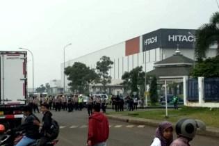 Alasan Virus Korona, Polisi Bubarkan Mogok Kerja Buruh AICE