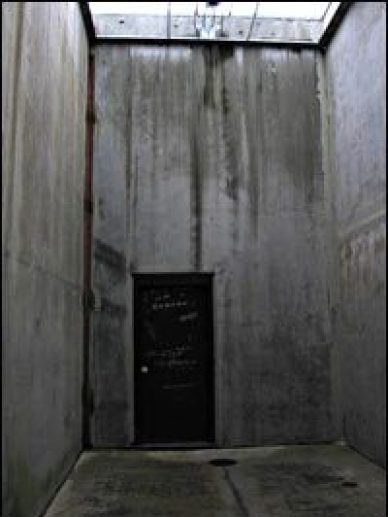 Pelican_Bay_SHU_concrete_exercise_yard_by_Laura_Sullivan_NPR
