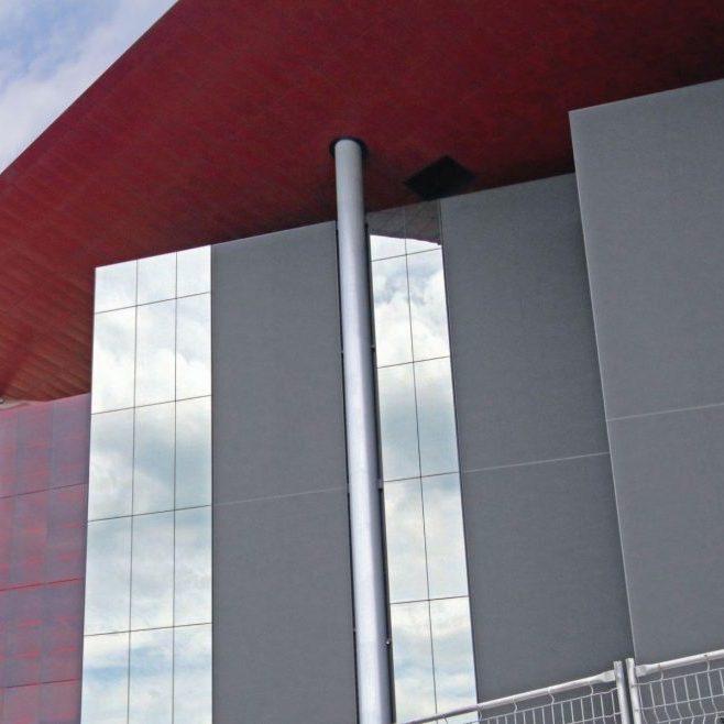 Murs de grille composite souple tendue sur cadre d'acier - Sollertia