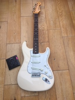 Custom Shop Strat in for a fret dress and polish, restring and nut slot recut