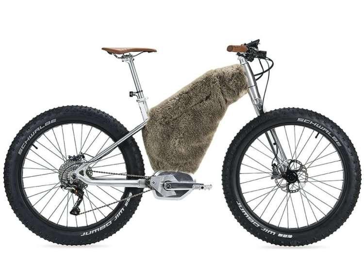 0003 moustache bikes starck