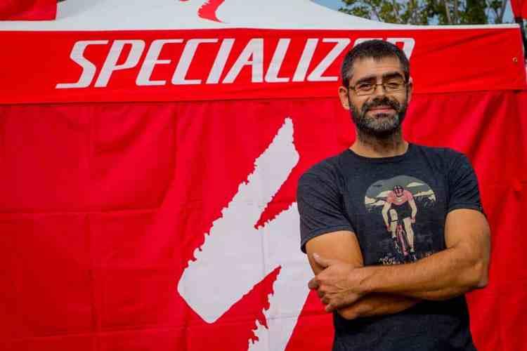Carlos Arrebola specialized