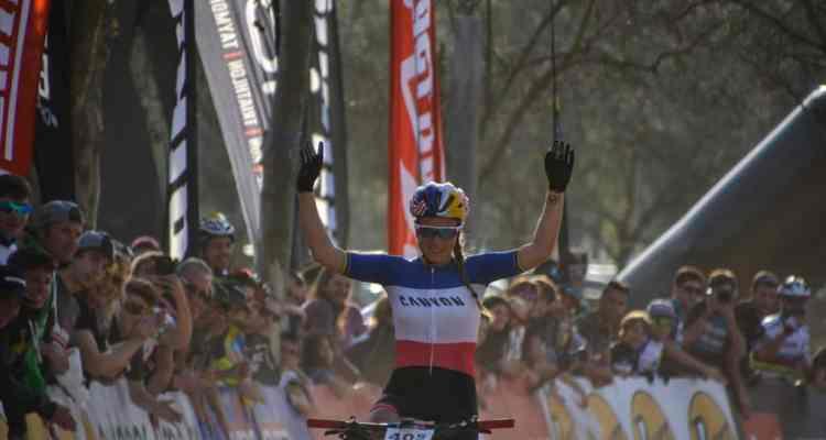 Pauline celebrando la victoria