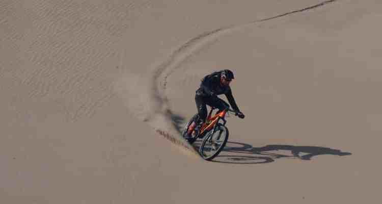 descenso de la duna más alta