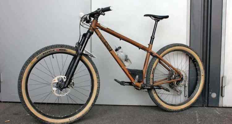 bicicleta con cuadro presurizado