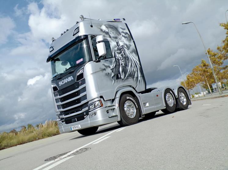Scania S580 Batman