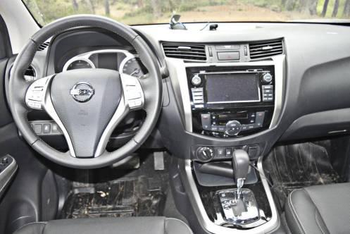 Nissan Navara AT32