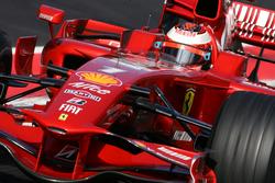 Kimi domina el viernes en Montmeló