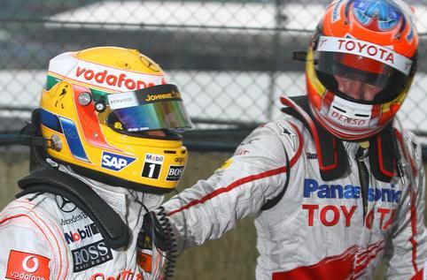 Glock felicita a Hamilton después de la carrera