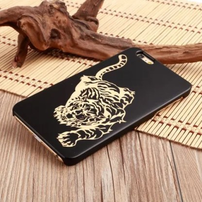 Funda de madera natural oscura (tigre) para iPhone
