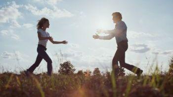 lovers-running