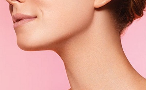 Neck-Makeup-and-neck-skin-care