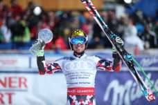 SANKT MORITZ,SWITZERLAND,19.MAR.16 - ALPINE SKIING - FIS World Cup Final, giantslalom, men, award ceremony for the giantslalom World Cup. Image shows Marcel Hirscher (AUT). Keywords: crystal globe, trophy, medal. Photo: GEPA pictures/ Harald Steiner