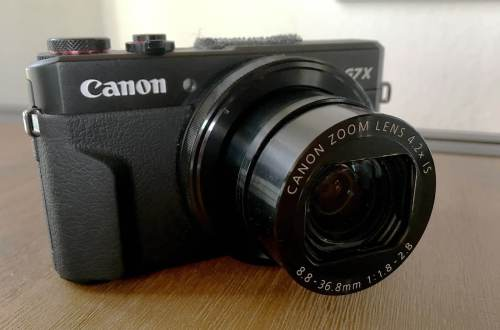 Canon G7X Mark II Front