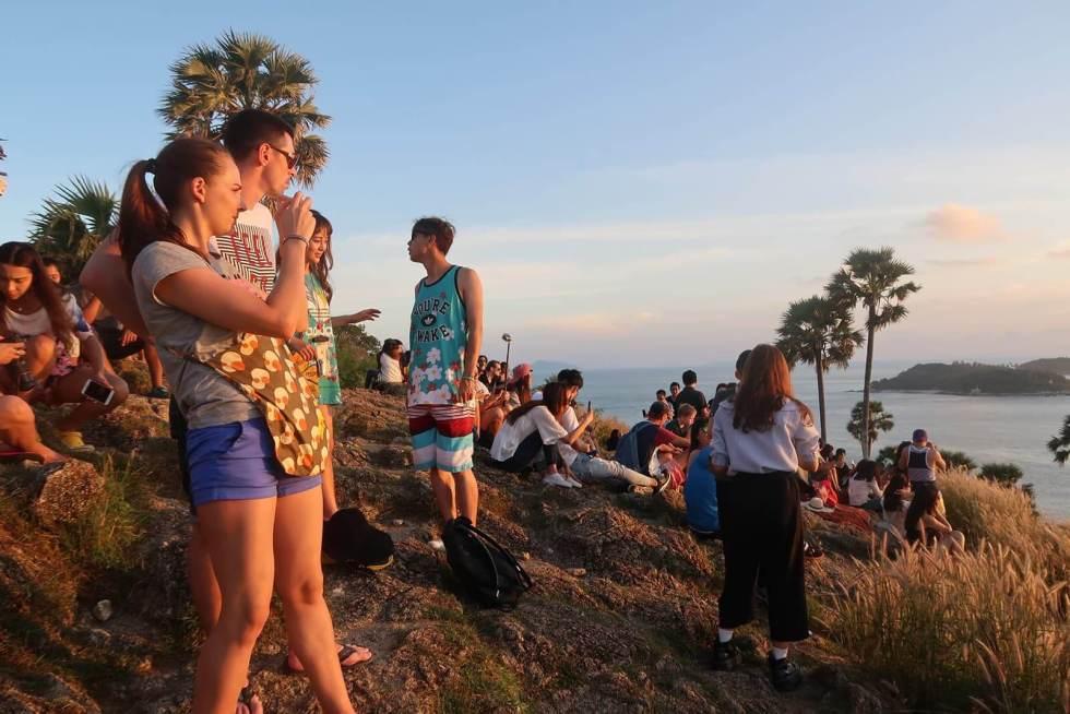 Touristen am Promthep Viewpoint