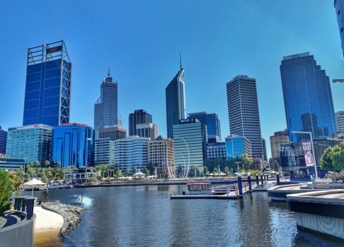 Walk around Swan River (Perth)