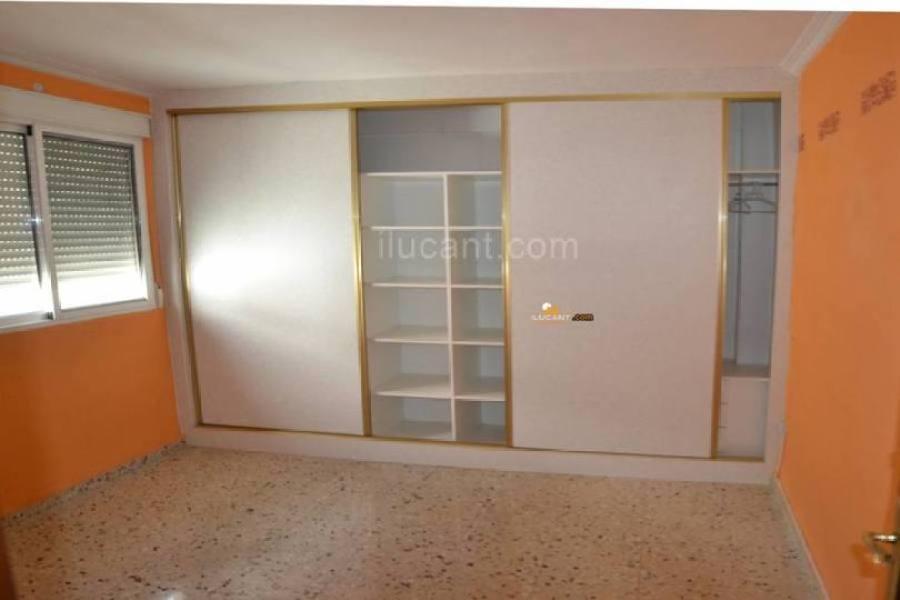 Alicante,Alicante,España,4 Bedrooms Bedrooms,1 BañoBathrooms,Pisos,14237