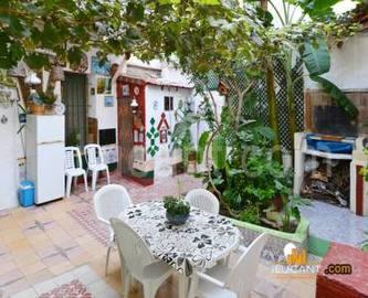 Alicante,Alicante,España,8 Bedrooms Bedrooms,3 BathroomsBathrooms,Casas,15273