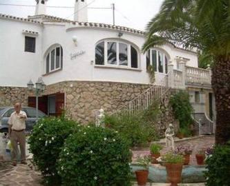 Dénia,Alicante,España,4 Bedrooms Bedrooms,4 BathroomsBathrooms,Chalets,16840