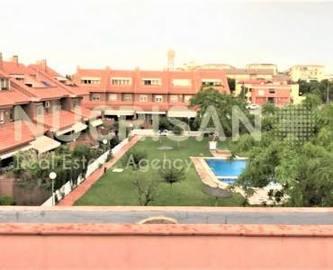 Alicante,Alicante,España,4 Bedrooms Bedrooms,2 BathroomsBathrooms,Chalets,17767