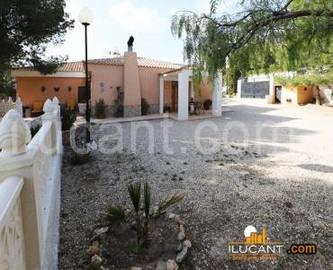 Busot,Alicante,España,5 Bedrooms Bedrooms,2 BathroomsBathrooms,Chalets,17870